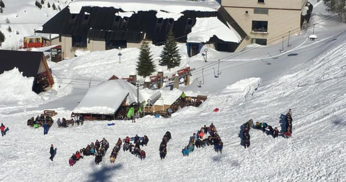 ARIAN – Studentët e FEFS solidarizohen me skijatorin e ndjerë, Arian Daci