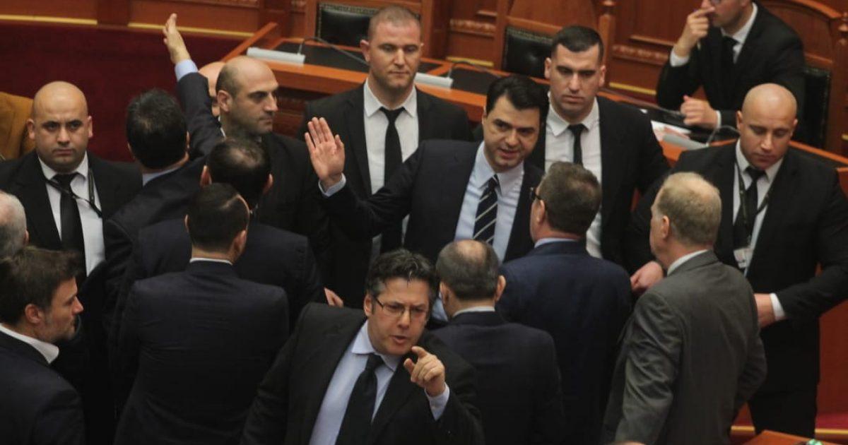 Basha: Qeveri kalimtare, ose këtë sallë duhet ta pastrojë populli