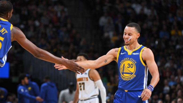 Stephen Curry fantastik në fitoren e Warriors kundër Pelicans