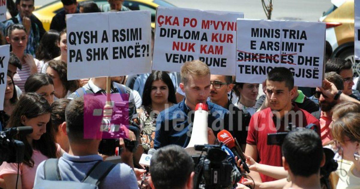 Studentët e FSHMN-së letër krerëve të shtetit, paralajmërojnë bojkot të mësimit