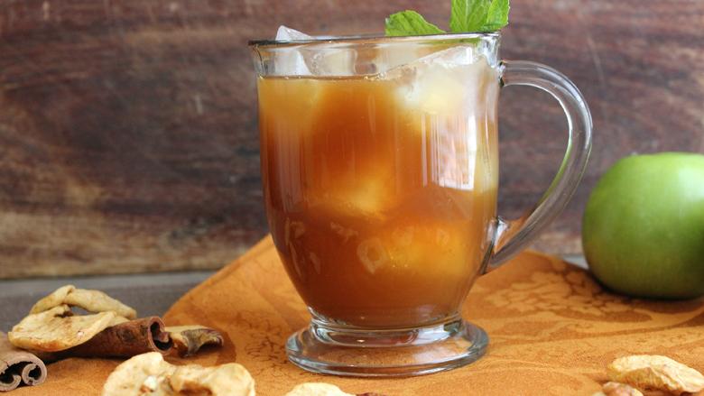 Bëni çajin turk nga mollët: Pije e shijshme dimërore e cila ngroh trupin dhe shpirtin