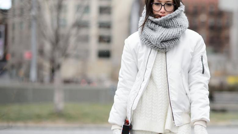 Shtatë ide si ta mbani shallin në dimër (Foto)