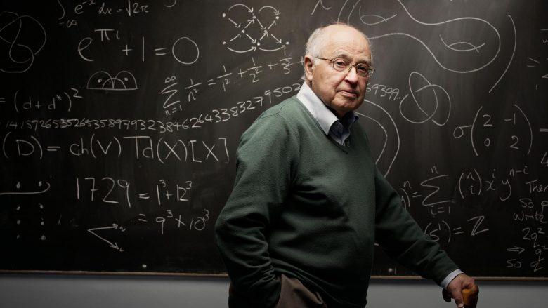 Vdes matematikani i njohur në botë, Sir Michael Atiyah