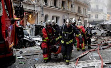 Shpërthim i fuqishëm në Paris, raportohet për të plagosur (Foto/Video)