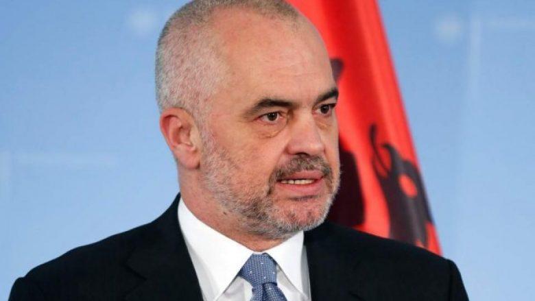 Ulja e taksave për biznesin në Shqipëri, krijon vende të reja pune dhe rrit të ardhurat