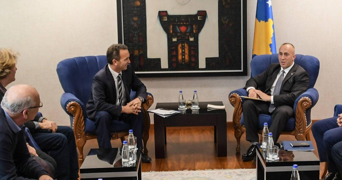 Haradinaj takohet me Sindikatën e Shërbimit Civil, zotohen për bashkëpunim dhe dialog