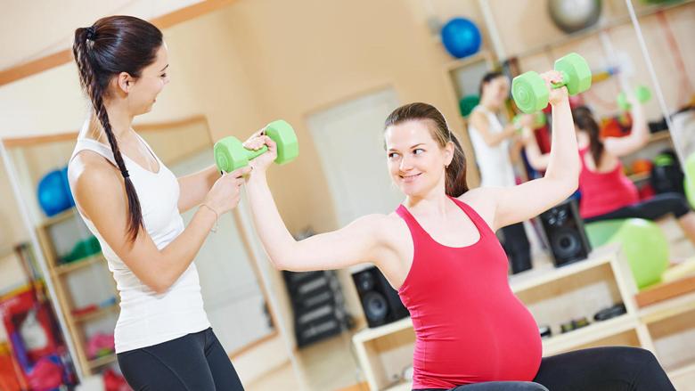 Aktiviteti fizik i shtatzënave: Cilat ushtrime janë të lejuara t'i praktikoni