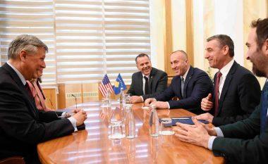 Veseli pas takimit me ambasadorin amerikan: Vendimet i marrim bashkë me SHBA-të