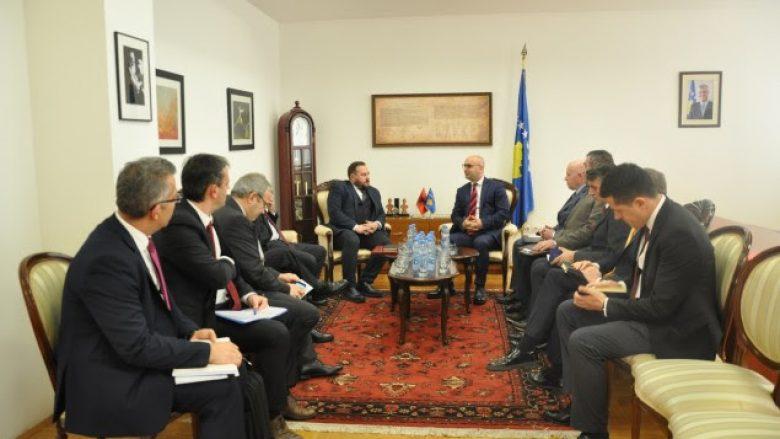 """Përafrohet drafti i marrëveshjes """"Mini-Shengen"""" Kosovë-Shqipëri"""
