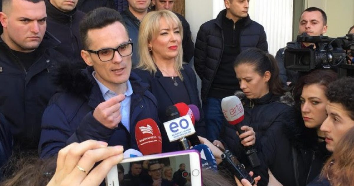 DS: Rektorët në grevë për interesa personale