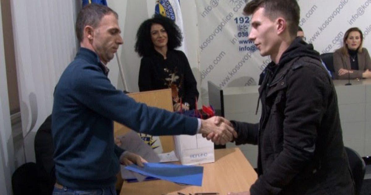 430 kandidatë nënshkruajnë kontratat për policë të Kosovës