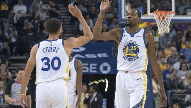 Curry fantastik në triumfin e kampionit, San Antonio pa problem ndaj Memphisit