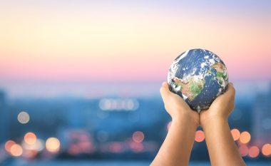Shtatë të dhëna të pabesueshme që vërtetojnë se bota po bëhet një vend më i mirë - pavarësisht se mund të duket ndryshe! (Foto)