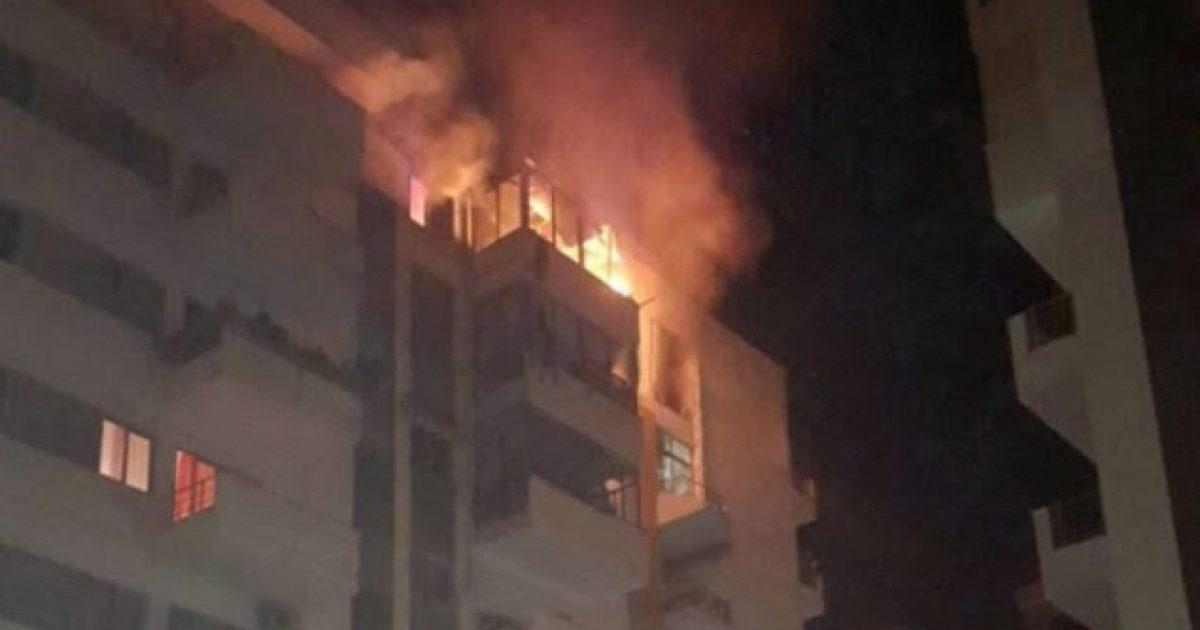 Një banesë në Prishtinë përfshihet nga zjarri