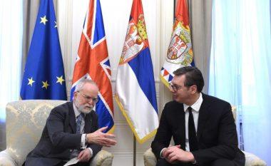 Vuçiq kushtëzon vazhdimin e dialogut me heqjen e taksës dhe mos ndërrimin e statutit të Trepçës