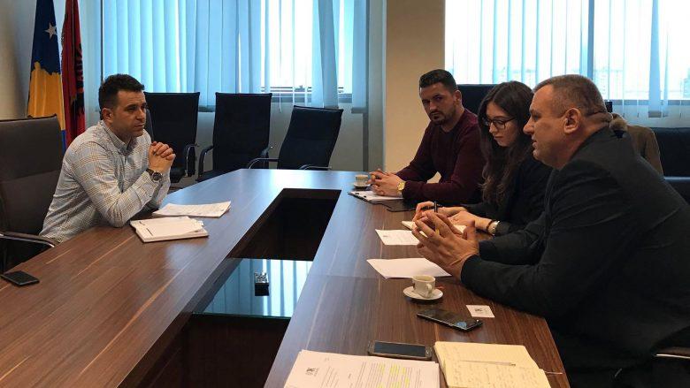OAK kërkojnë nga Ministria e Mjedisit që të largohen taksat 'antiligjore' për bizneset
