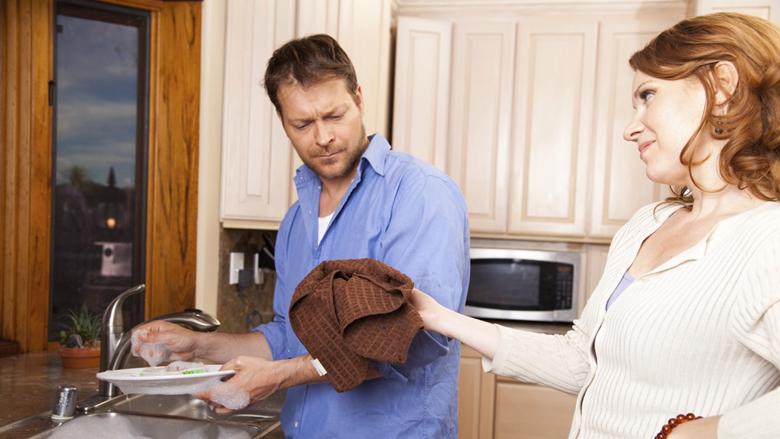 Çifti, pse punët e shtëpisë shpesh bëhen shkak grindjeje