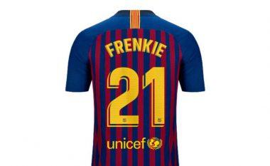 Kompania Nike i kërkon transferimit të Barcelonës, që në fanellë ta vë emrin Frenkie