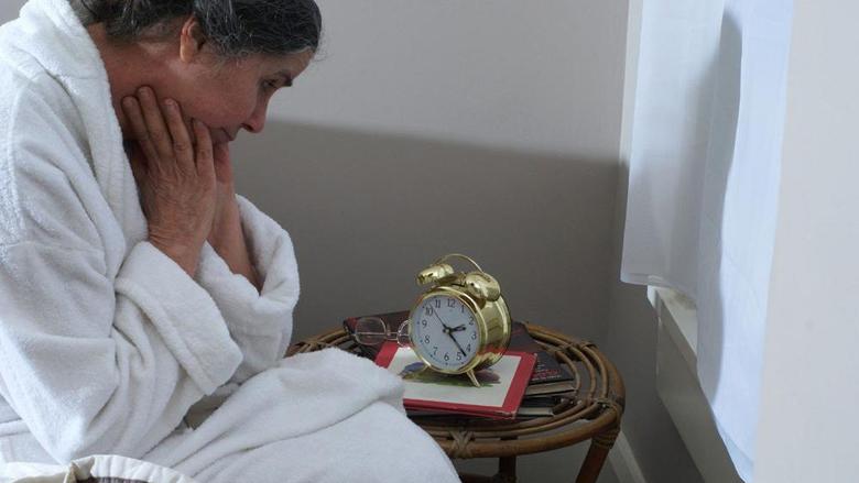 Me këtë metodë të doktorit të Harvardit do të flini brenda një minute!