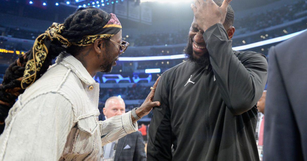 Më 1 mars lansohet albumi 2 Chainz, në të cilin ka punuar LeBron James