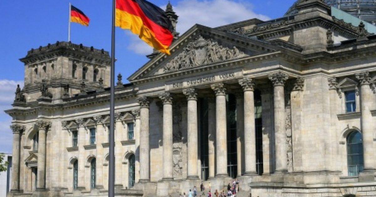 Berlini zyrtar: Dorëheqja e deputetëve të opozitës e gabuar