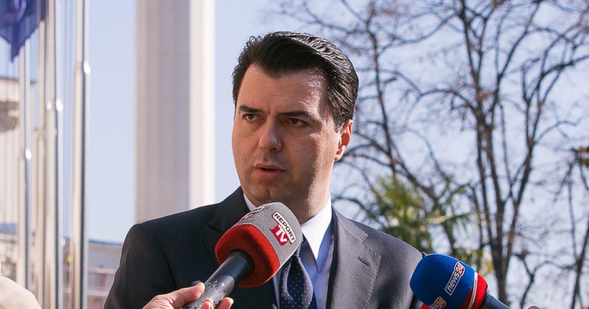 Basha, në përvjetorin e rrëzimit të bustit të Enver Hoxhës: Jemi para të njëjtës sfidë