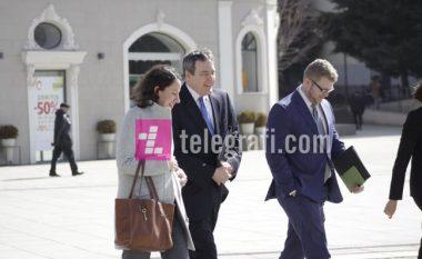 Emisarët amerikanë takim 3 orësh me Thaçin dhe Ekipin e Dialogut