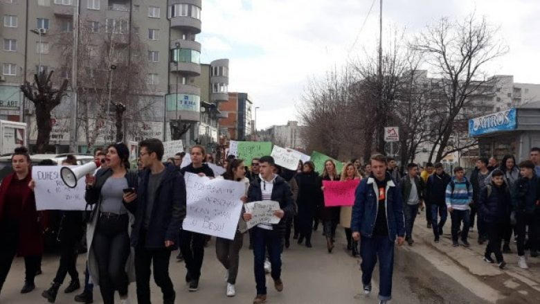 Mbahet marshi në Ferizaj për rastin e abuzimit të së miturës në Drenas