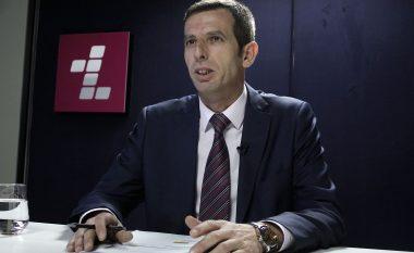Drejtori i Doganës: Zyrtarët shtetëror serbë po e ndihmojnë kontrabandën në drejtim të Kosovës (Video)