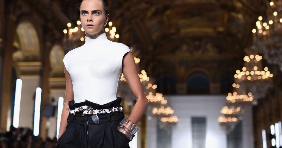 Cara Delevingne shfaqet lakuriq në kampanjën e re të kreacioneve të Olivier Rousteingut