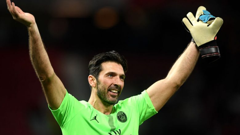 MANCHESTER, ENGLAND - FEBRUARY 12:  Gianluigi Buffon of PSG celebrates victory during the UEFA Champions League Round of 16 First Leg match between Manchester United and Paris Saint-Germain at Old Trafford on February 12, 2019 in Manchester, England. (Photo by Michael Regan/Getty Images)
