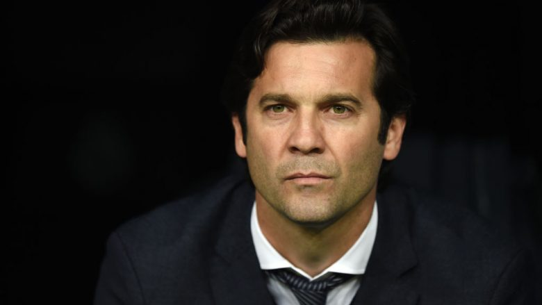 MADRID, SPAIN - FEBRUARY 27: Head coach Santiago Solari of Real Madrid looks on prior to the Copa del Rey Semi Final second leg match between Real Madrid and FC Barcelona at Bernabeu on February 27, 2019 in Madrid, Spain. (Photo by Denis Doyle/Getty Images)