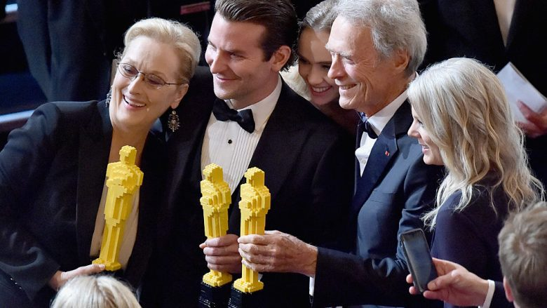 Meryl Streep, Bradley Cooper  dhe Clint Eastwood  Photo by Kevin Winter/Getty Images)
