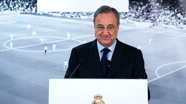 MADRID, SPAIN - JANUARY 04:  Real Madrid CF president Florentino Perez gives a speech as he comunicates the dismissal of Rafael benitez and announces Zinedine Zidane as new Real Madrid head coach at Santiago Bernabeu Stadium on January 4, 2016 in Madrid, Spain.  (Photo by Gonzalo Arroyo Moreno/Getty Images)