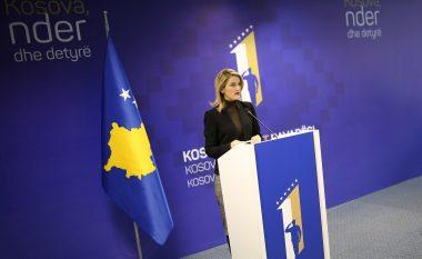 Ministrja Hoxha flet për vizat dhe taksën, thotë se rrethanat janë të vështira të parashikohet çështja e liberalizimit