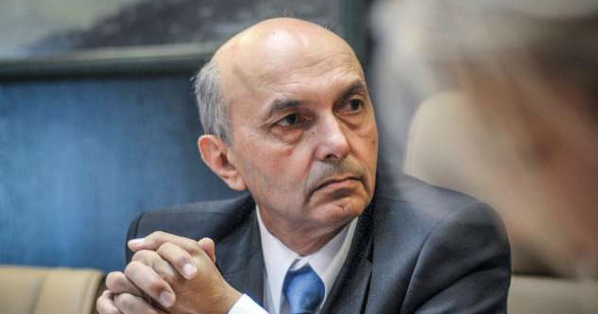 Mustafa takon ambasadorin francez, flasin për dialogun