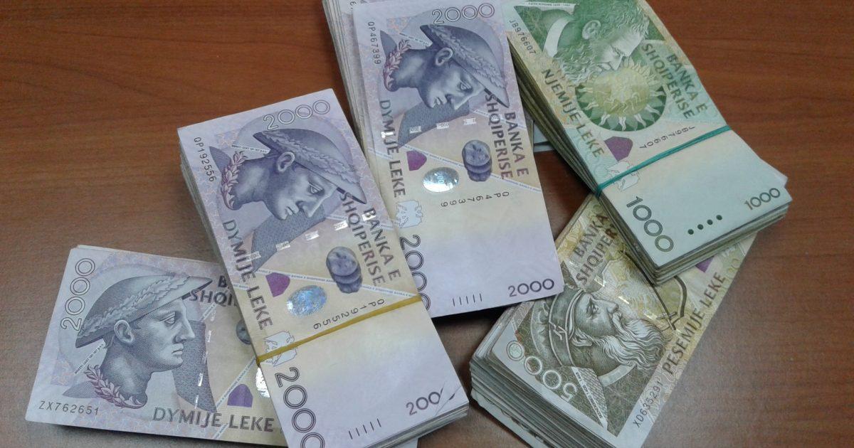 INSTAT: Shpenzimet buxhetore për paga më të ulëtat që nga 1993