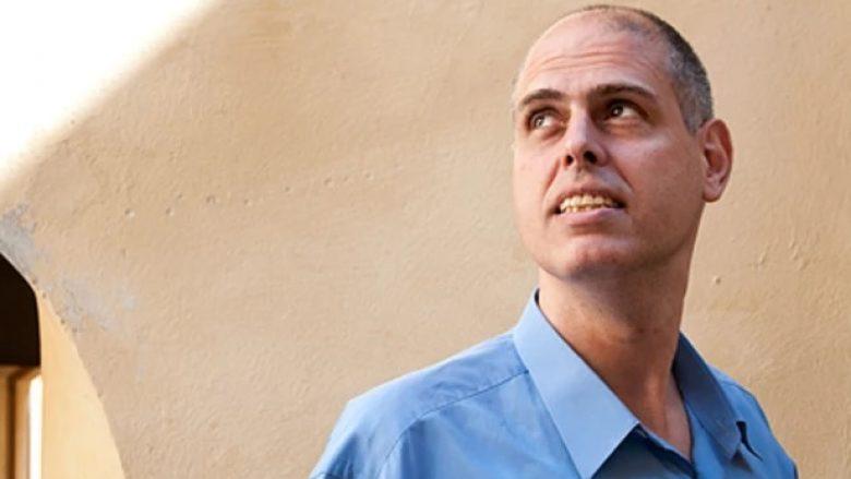 Rasti i rrallë i Rami Saarit, poliglotit që di 17 gjuhë: Hebreu që përkthen letërsinë shqipe