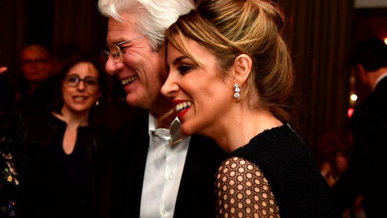 Richard Gere dhe Alejandra Silva (Photo by Alexander Koerner/Getty Images)