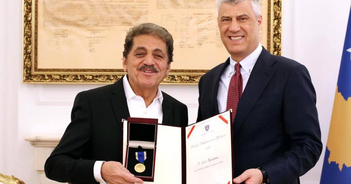 Sabri Fejzullahu dekorohet me Medaljen Presidenciale të Meritave
