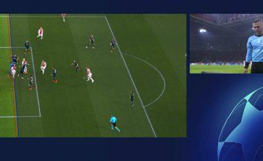 VAR përdoret për herë të parë në histori të Ligës së Kampionëve, ish-gjyqtari spanjoll thotë se goli i anuluar i Ajax ishte i rregullt
