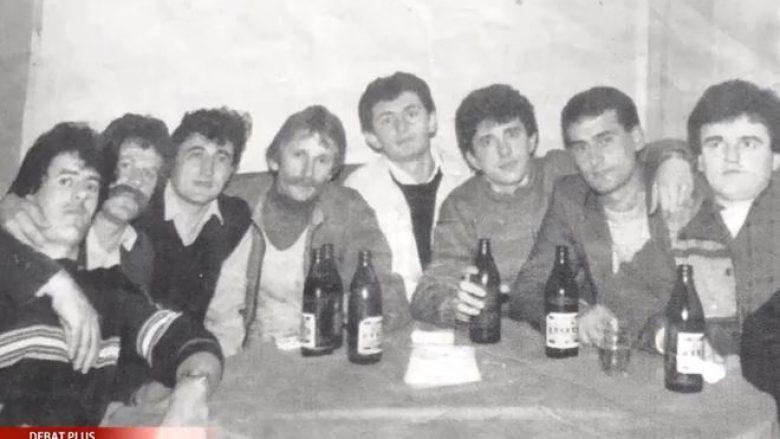 Sabit Geci prezanton një fotografi të vitit 1988 me Adem Jasharin në lokalin e Gani Thaçit (Video)