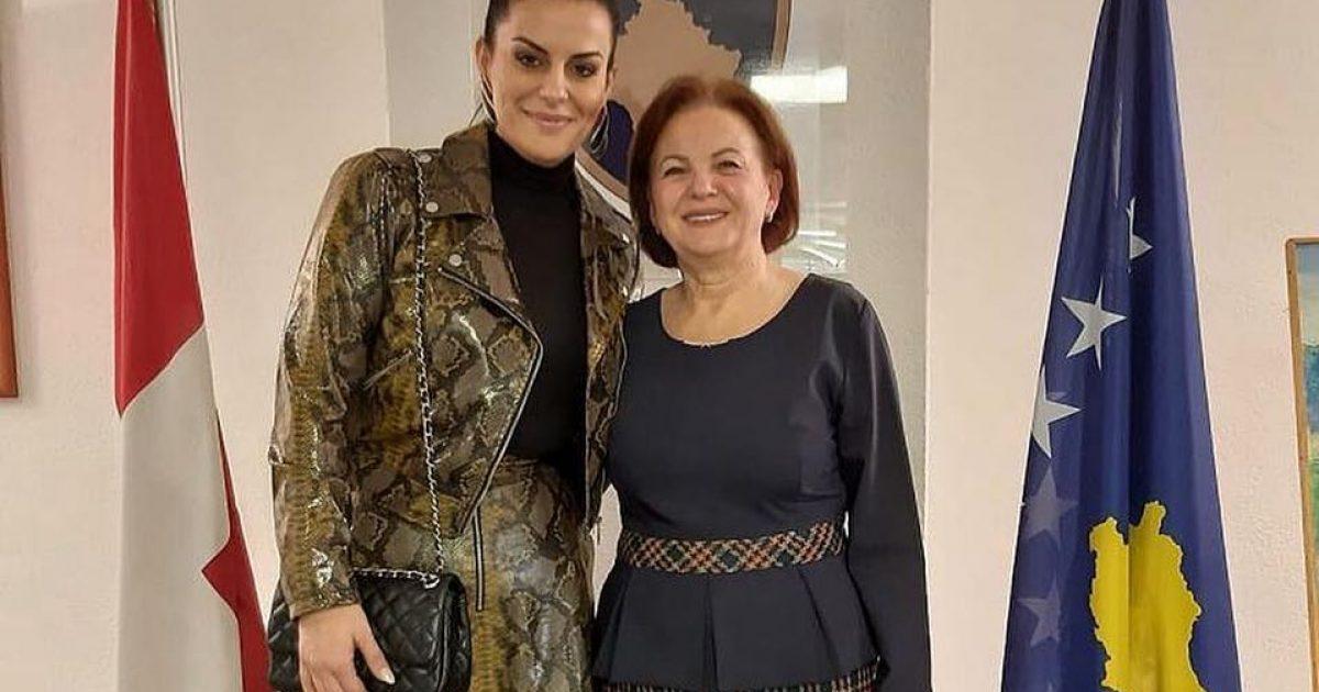 Ambasadorja e Kosovës në Zvicër, Nazane Breca mirëpret Big Mamën në zyrën e saj