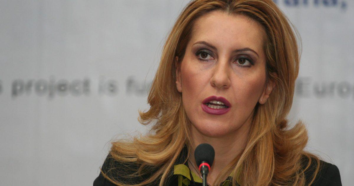 Majlinda Bregu takohet me Vuçiqin: Kemi nevojë për njëri-tjetrin