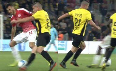 Të gjithë po flasin për Fatos Beqiraj pasi shqiptari arriti të driblojë katër lojtarë radhazi duka ia futur topin në mes të këmbëve