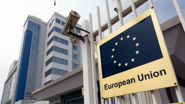 BE kërkon nga Qeveria e Kosovës pezullimin e taksës