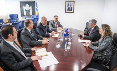 Haradinaj takon ambasadorin amerikan: Marrëdhëniet Kosovë-SHBA janë të pacenueshme
