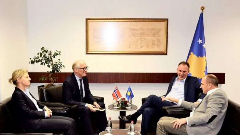 Limaj e Gashi flasin me Eiden për platformën e dialogut me Serbinë