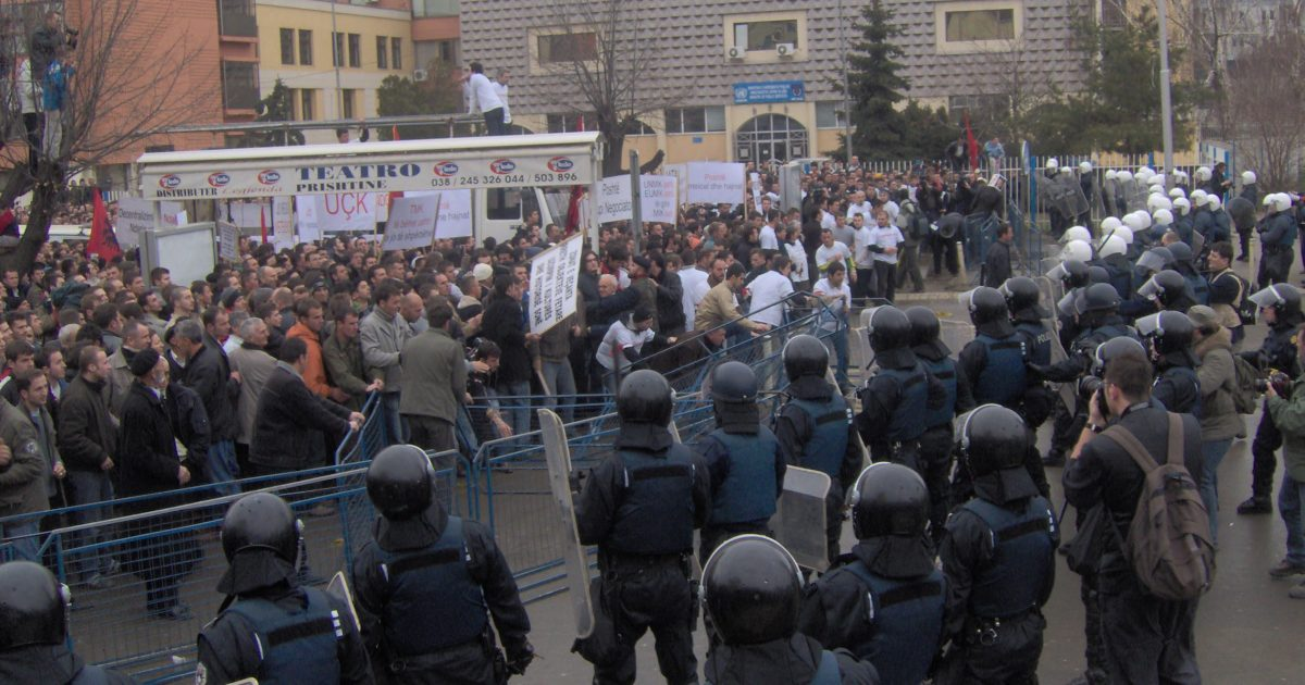Shënohet 12 vjetori i protestës së 10 shkurtit