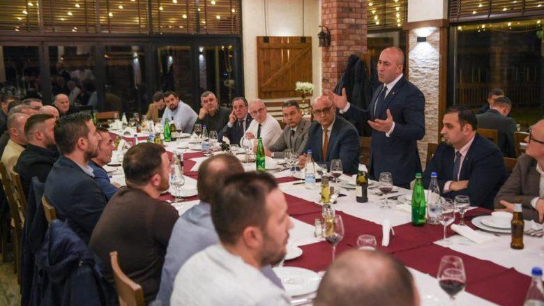 Haradinaj takohet me bizneset e Mitrovicës: Tani është momenti i kthesës